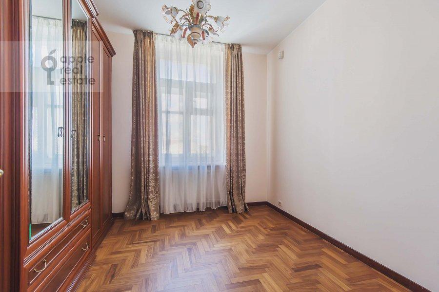 Детская комната / Кабинет в 6-комнатной квартире по адресу Обыденский 2-й пер. 11