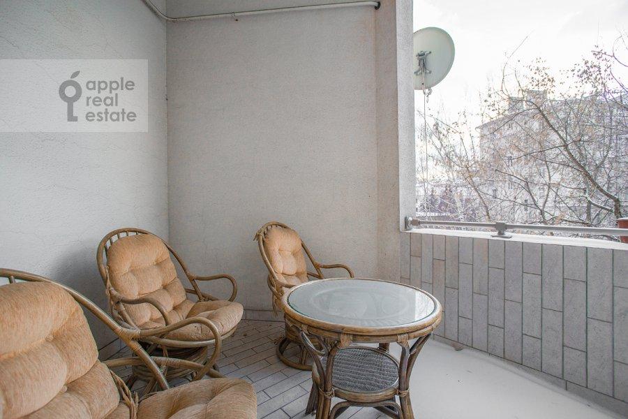 Balcony / Terrace / Loggia of the 5-room apartment at Khariton'evskiy Bol'shoy per. 14
