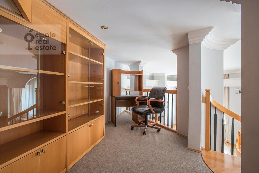 Children's room / Cabinet of the 5-room apartment at Khariton'evskiy Bol'shoy per. 14