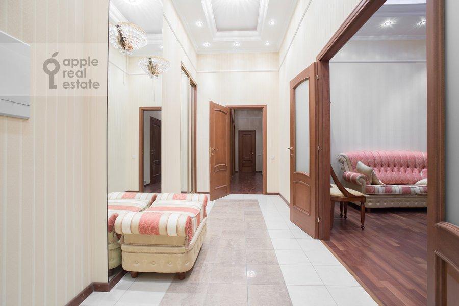 Corridor of the 3-room apartment at Milyutinskiy pereulok 3