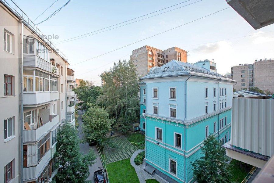 Вид из окна в 4-комнатной квартире по адресу Спиридоновка ул. 22/2
