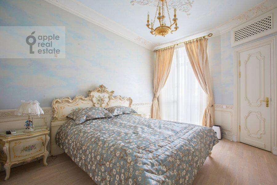 Bedroom of the 4-room apartment at Bronnaya Malaya ul. 25