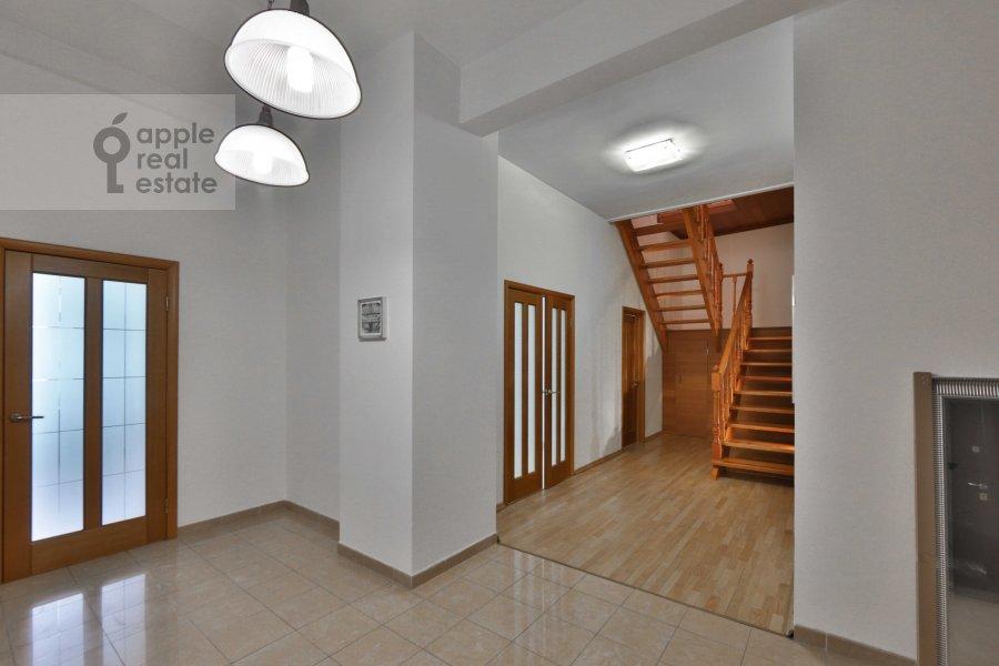 Коридор в 6-комнатной квартире по адресу Молчановка Малая ул. 6