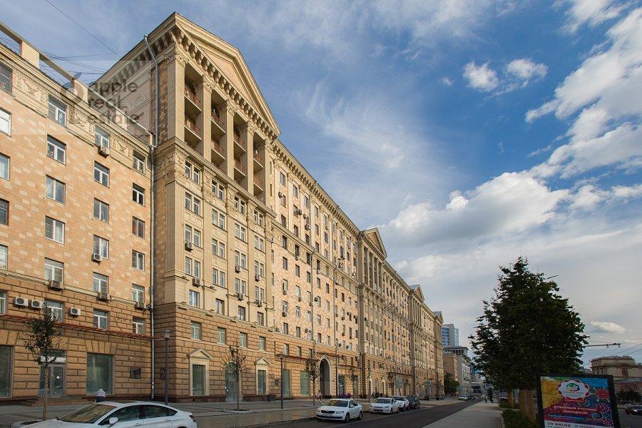 Фото дома 4-комнатной квартиры по адресу Новинский бульв. 18