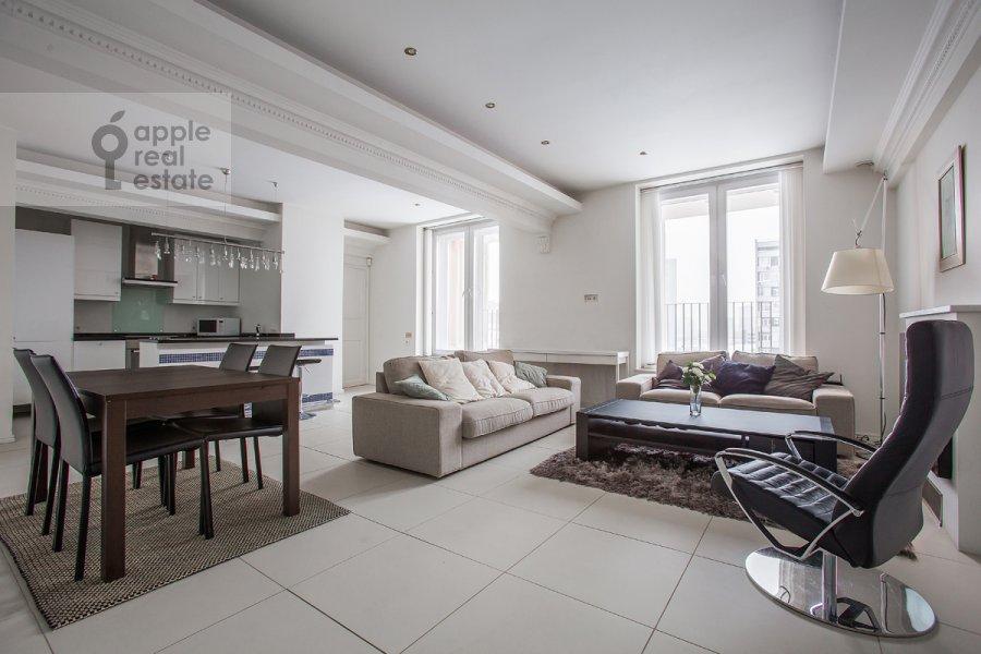 Гостиная в 4-комнатной квартире по адресу Новинский бульв. 18