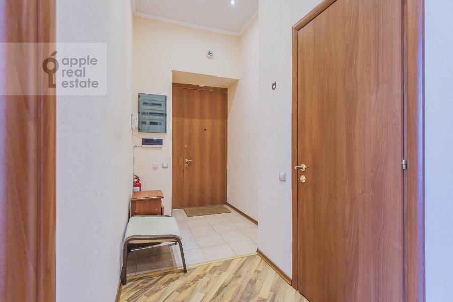 Corridor of the 3-room apartment at Arbat ul. 9s2