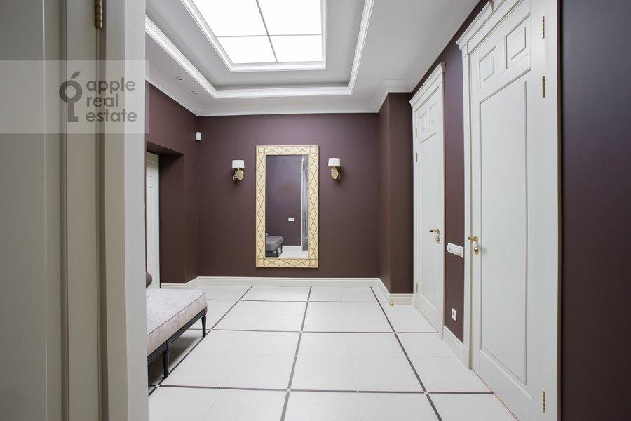 Коридор в 4-комнатной квартире по адресу Леонтьевский пер. 11