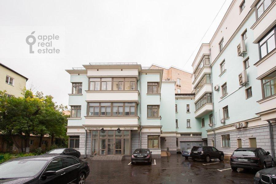 Фото дома 4-комнатной квартиры по адресу Леонтьевский пер. 11