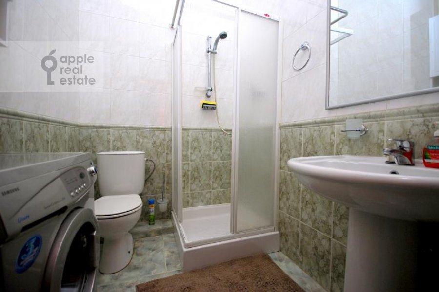2-room apartment at Krivoarbatskiy per. 16/22
