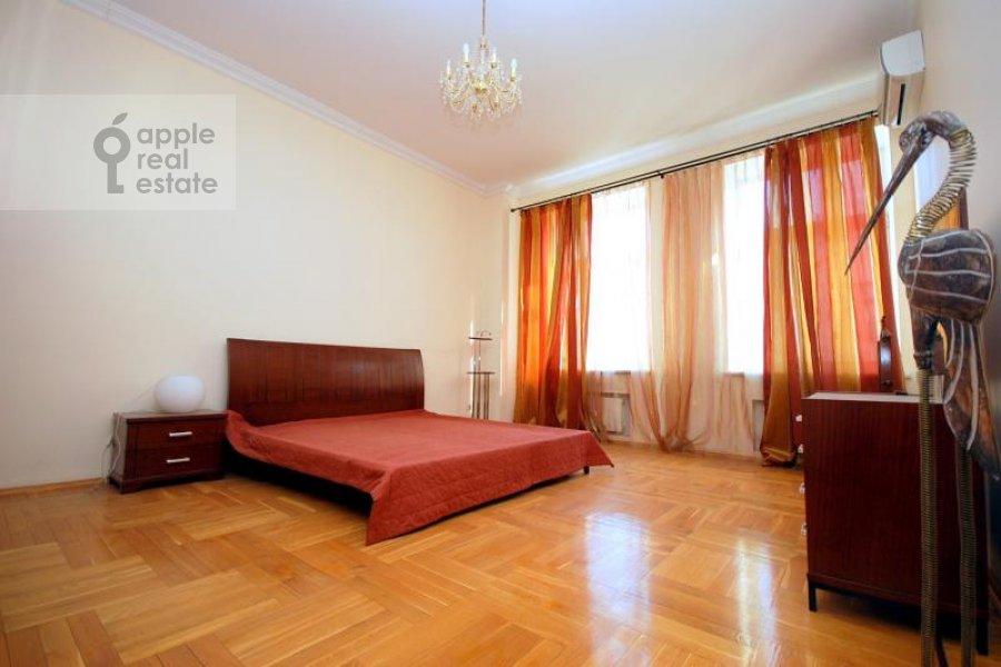Bedroom of the 2-room apartment at Krivoarbatskiy per. 16/22