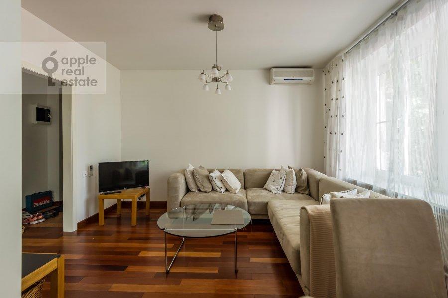 Гостиная в 2-комнатной квартире по адресу Воронцово Поле ул. 16с5