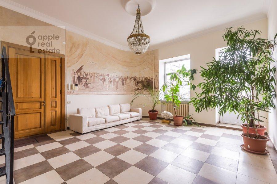 Bedroom of the 6-room apartment at Komsomol'skiy pr-t. 3