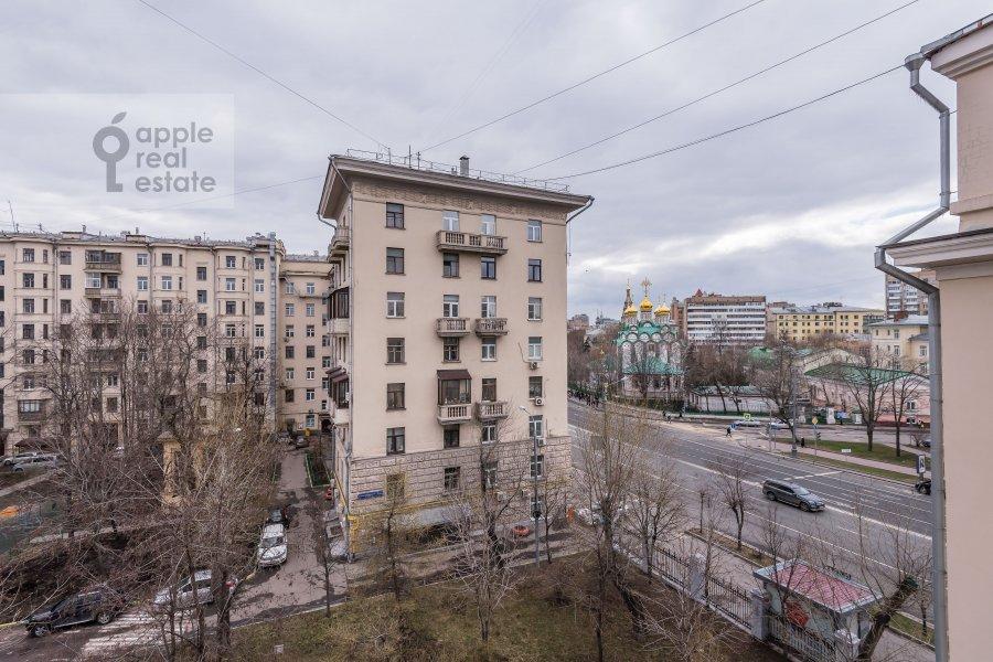 Вид из окна в 6-комнатной квартире по адресу Комсомольский пр-т. 3