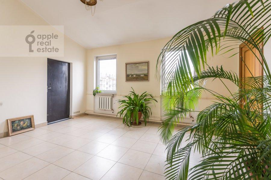Коридор в 6-комнатной квартире по адресу Комсомольский пр-т. 3