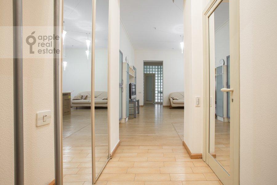 Corridor of the 3-room apartment at Predtechenskiy Bol'shoy per. 14