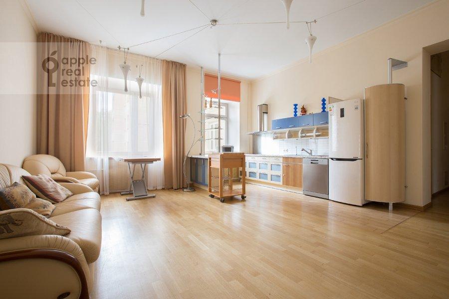Kitchen of the 3-room apartment at Predtechenskiy Bol'shoy per. 14
