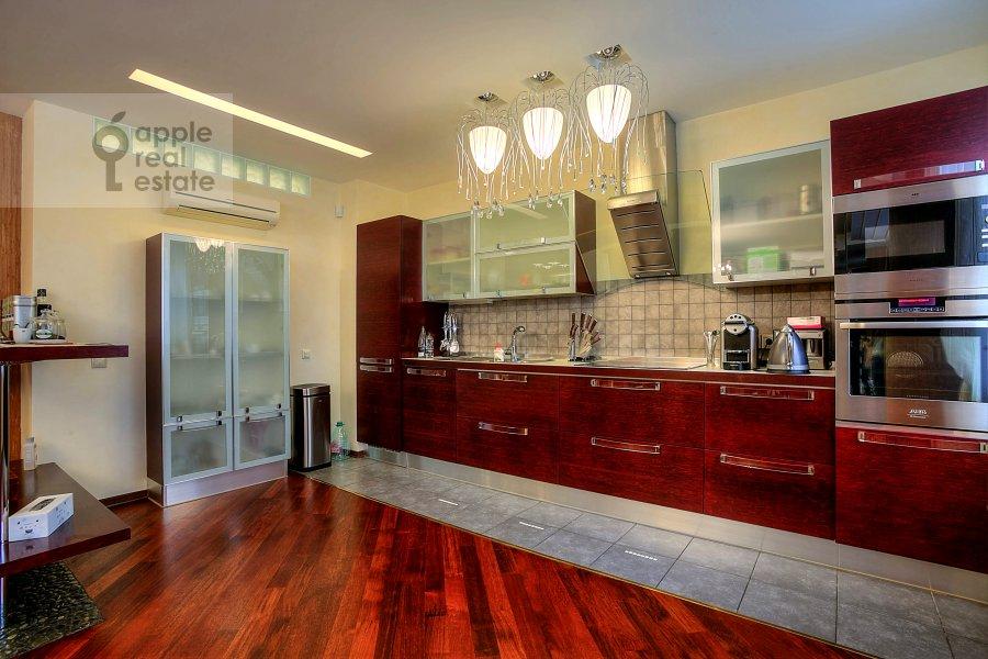 Kitchen of the 3-room apartment at Tverskaya-Yamskaya 2-ya ul. 28