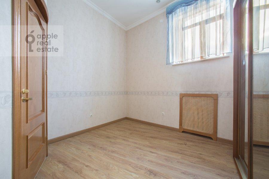 Спальня в 6-комнатной квартире по адресу Архангельский переулок 7