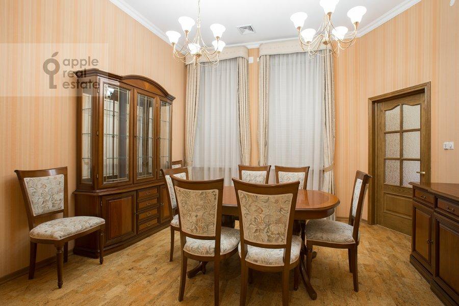 Кухня в 6-комнатной квартире по адресу Архангельский переулок 7