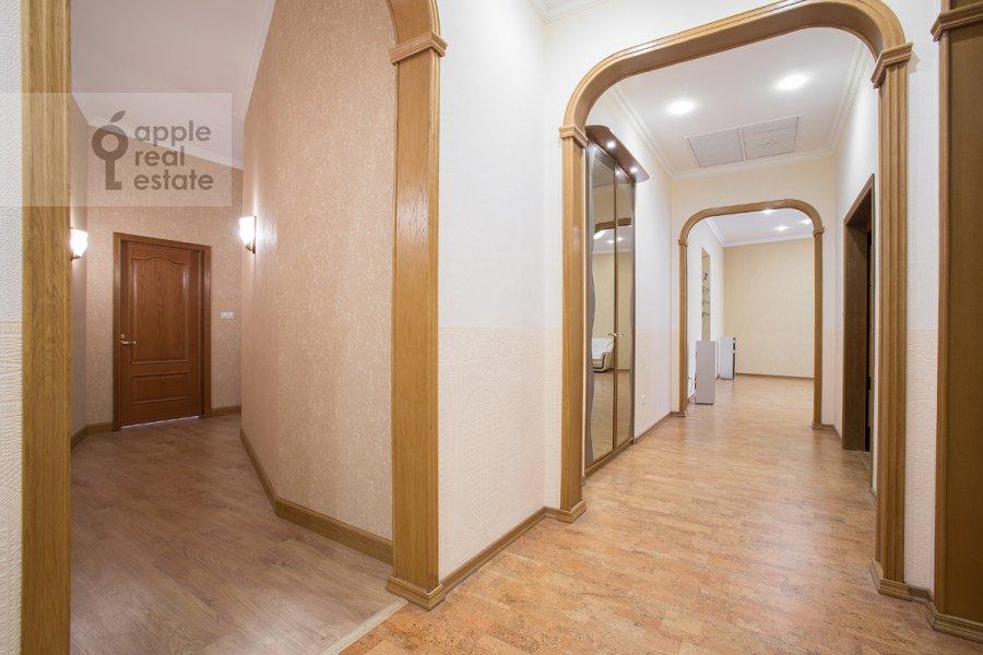 Коридор в 6-комнатной квартире по адресу Архангельский переулок 7