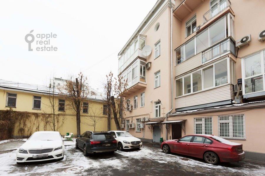 Фото дома 3-комнатной квартиры по адресу Старомонетный пер. 24
