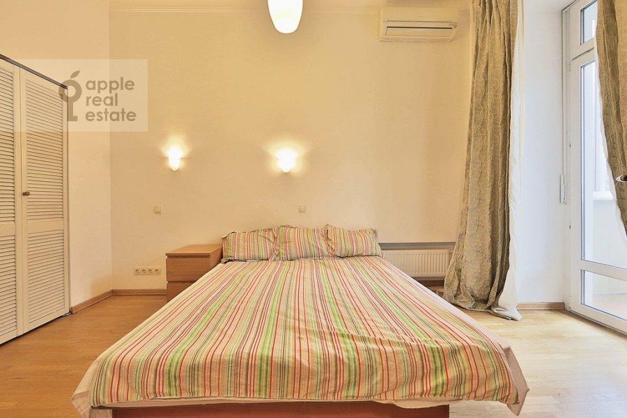 Спальня в 3-комнатной квартире по адресу Старомонетный пер. 24