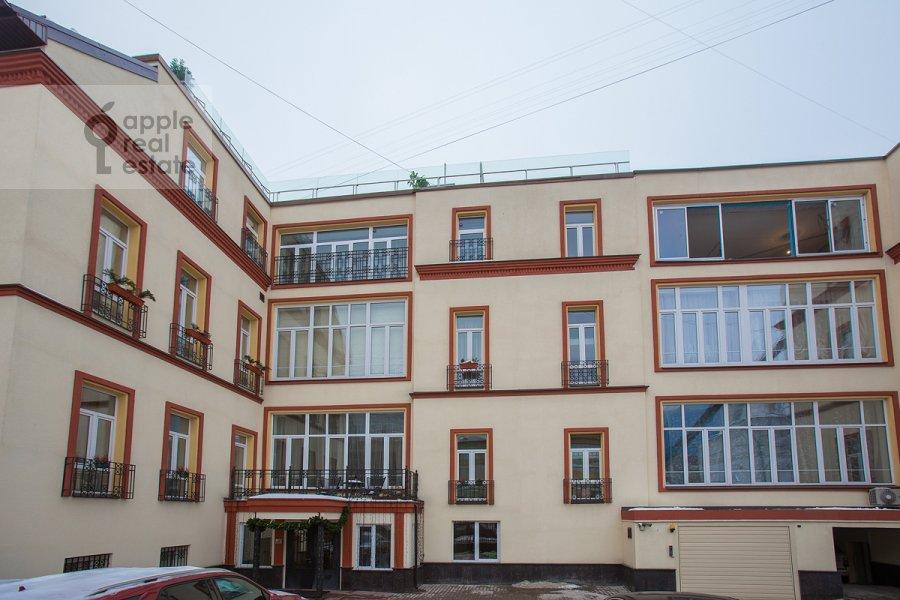 Вид из окна в 4-комнатной квартире по адресу Арбат ул. 32