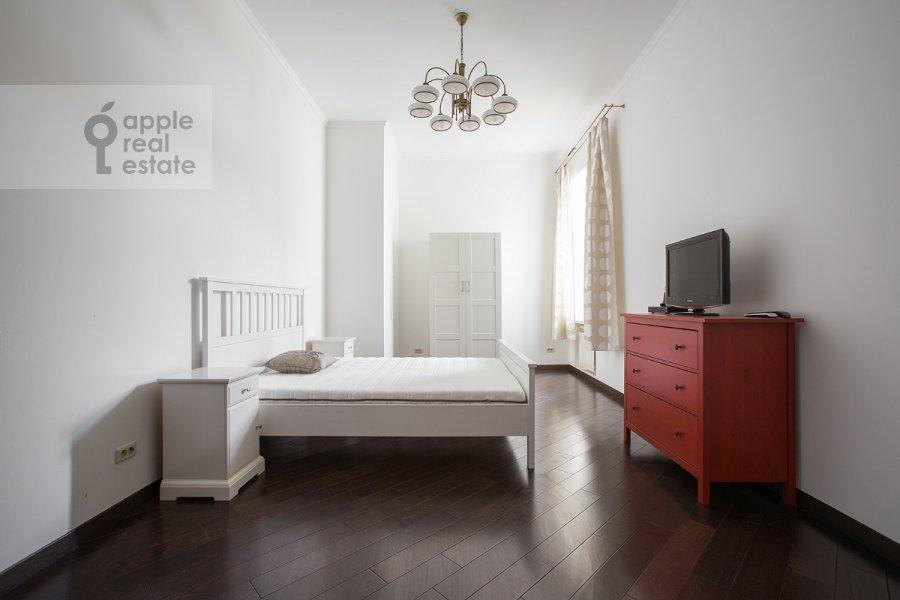 Спальня в 4-комнатной квартире по адресу Арбат ул. 32