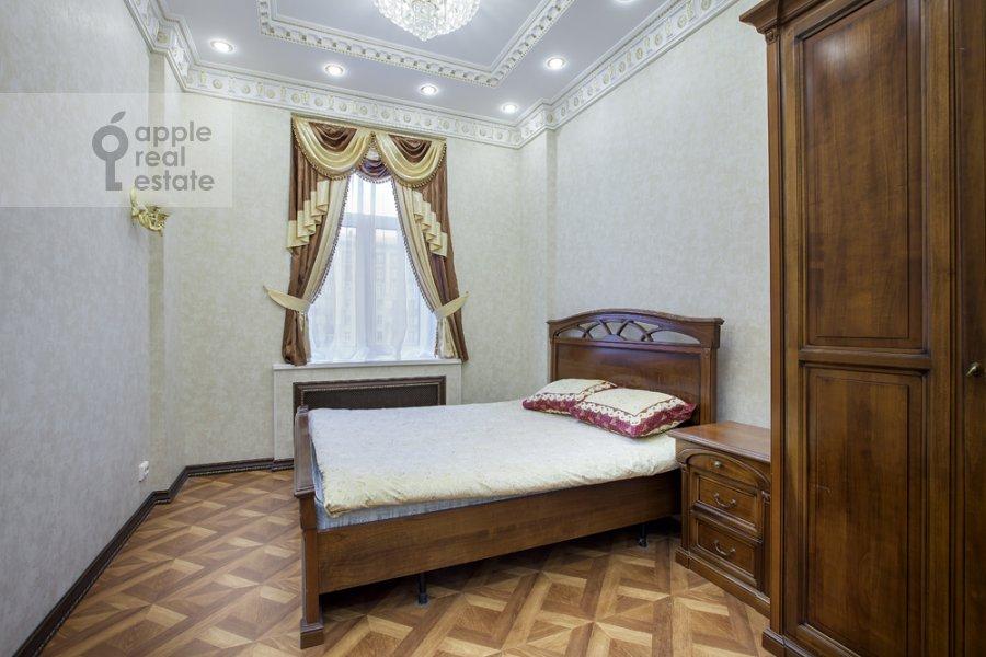 Bedroom of the 4-room apartment at Kutuzovskiy pr-t 2