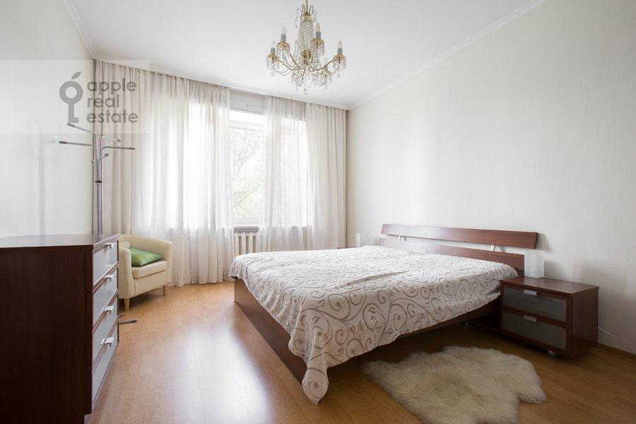 Bedroom of the 3-room apartment at 2-ya Tverskaya-Yamskaya ulitsa 54