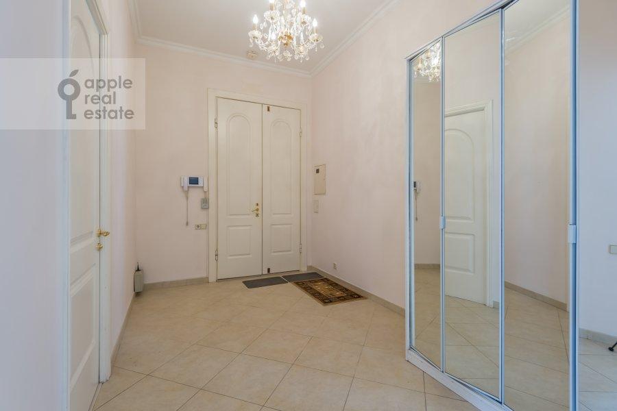 Corridor of the 5-room apartment at Arbat ul. 29