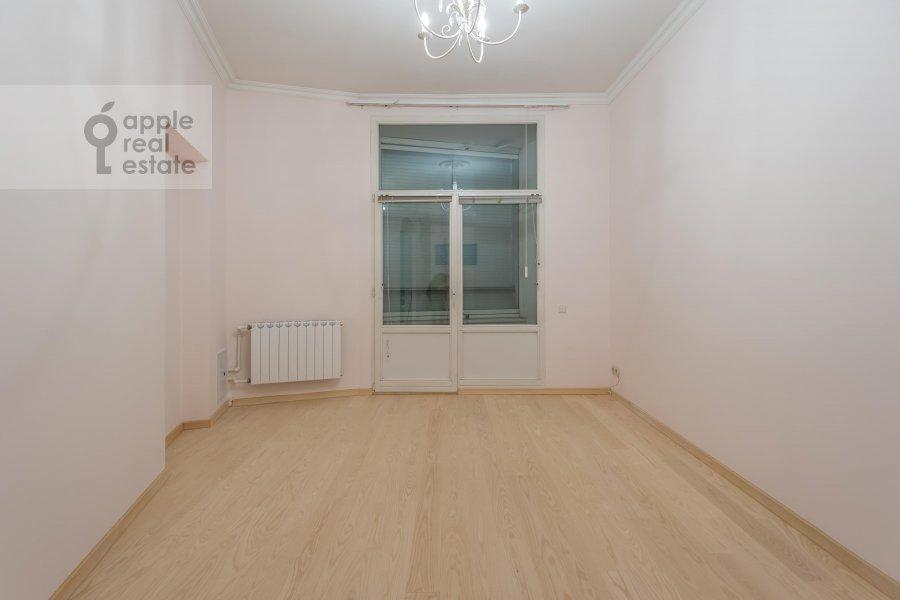 Children's room / Cabinet of the 5-room apartment at Arbat ul. 29