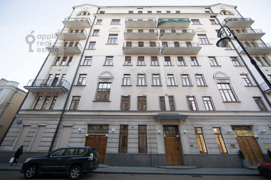Photo of the house of the 3-room apartment at Malyy Tolmachevskiy pereulok 8