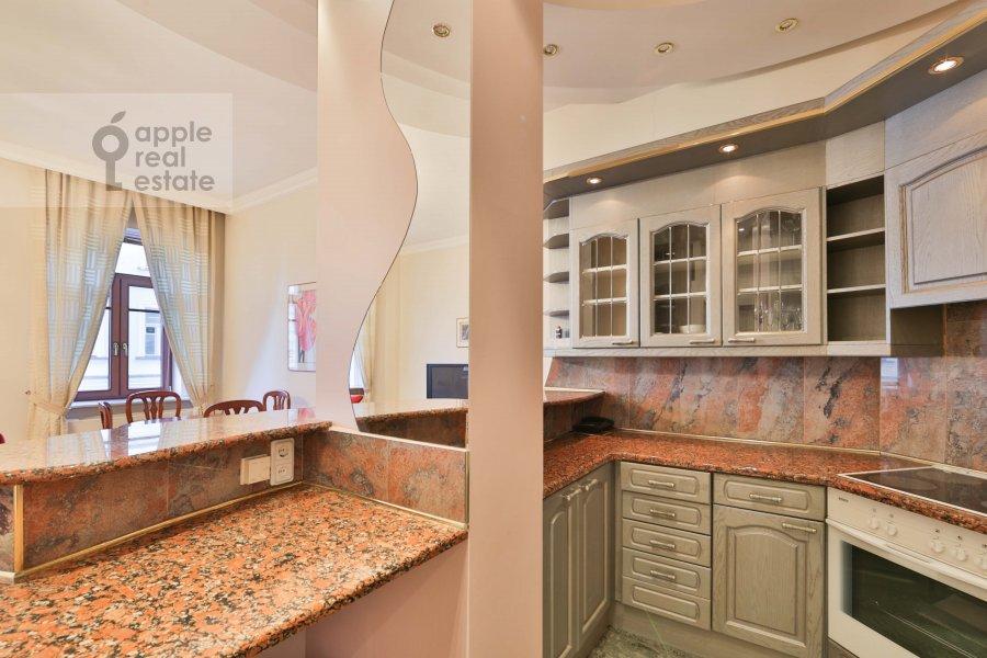 Kitchen of the 3-room apartment at Malyy Tolmachevskiy pereulok 8