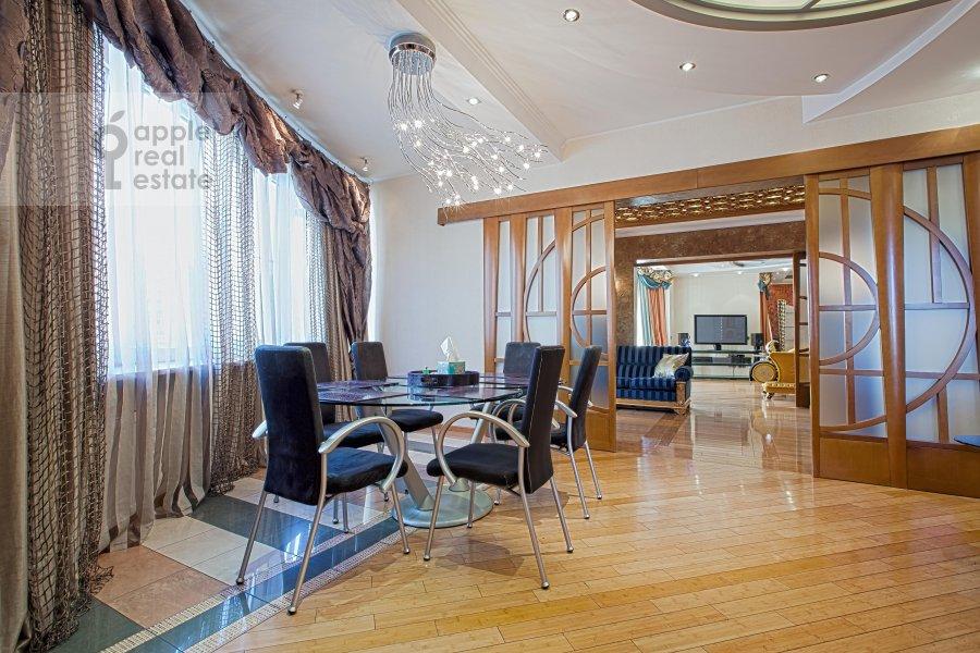 Кухня в 6-комнатной квартире по адресу Ленинский пр-т. 128к1