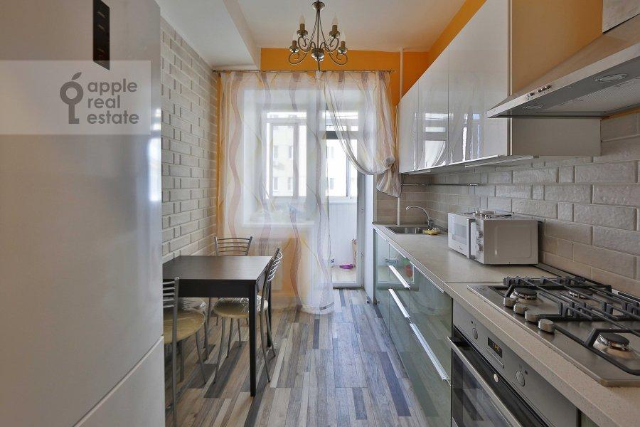 Кухня в 3-комнатной квартире по адресу Татарская Большая ул. 25-27с1