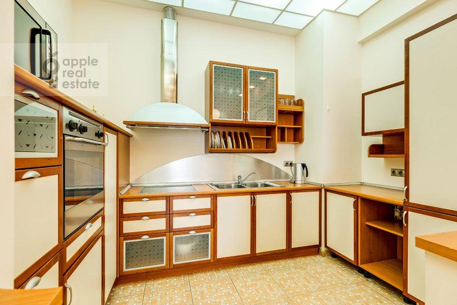 Кухня в 3-комнатной квартире по адресу Большая Дорогомиловская ул. 4