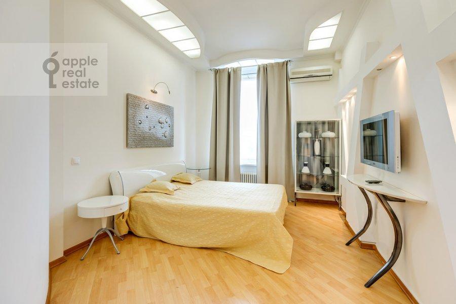 Спальня в 3-комнатной квартире по адресу Большая Дорогомиловская ул. 4