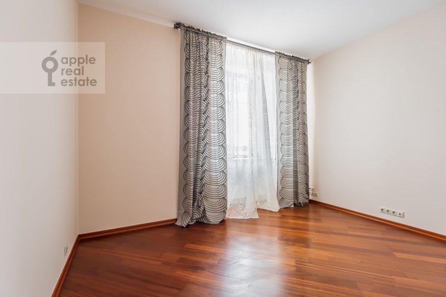 Детская комната / Кабинет в 3-комнатной квартире по адресу Климентовский пер. 2