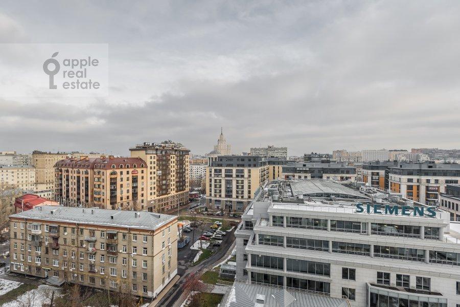 Вид из окна в 3-комнатной квартире по адресу Климентовский пер. 2