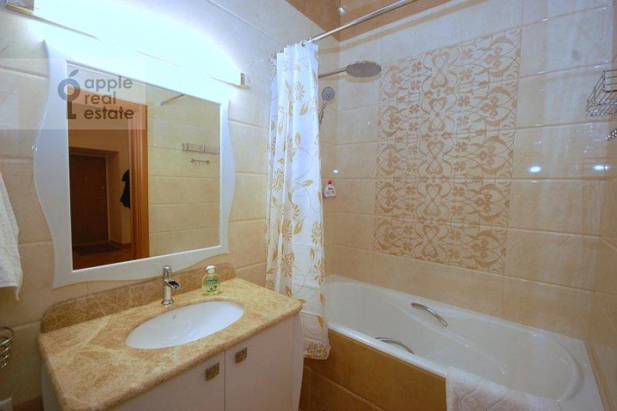Санузел в 2-комнатной квартире по адресу Бронная Малая ул. 42/14