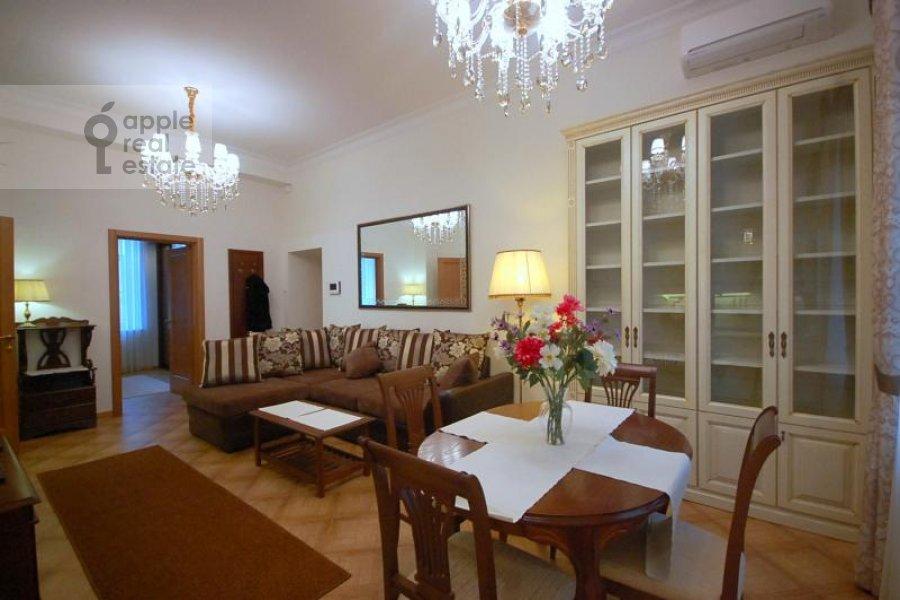 Гостиная в 2-комнатной квартире по адресу Бронная Малая ул. 42/14