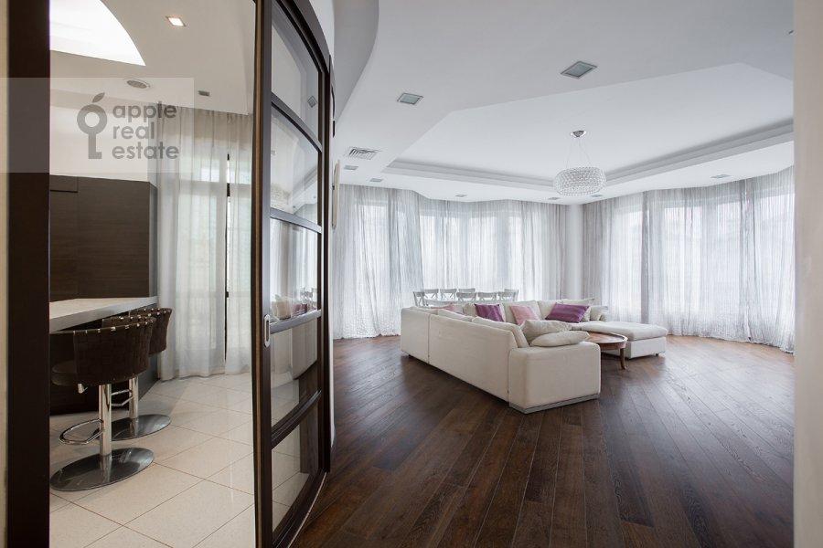 Living room of the 4-room apartment at Beregovaya ul. 4k2