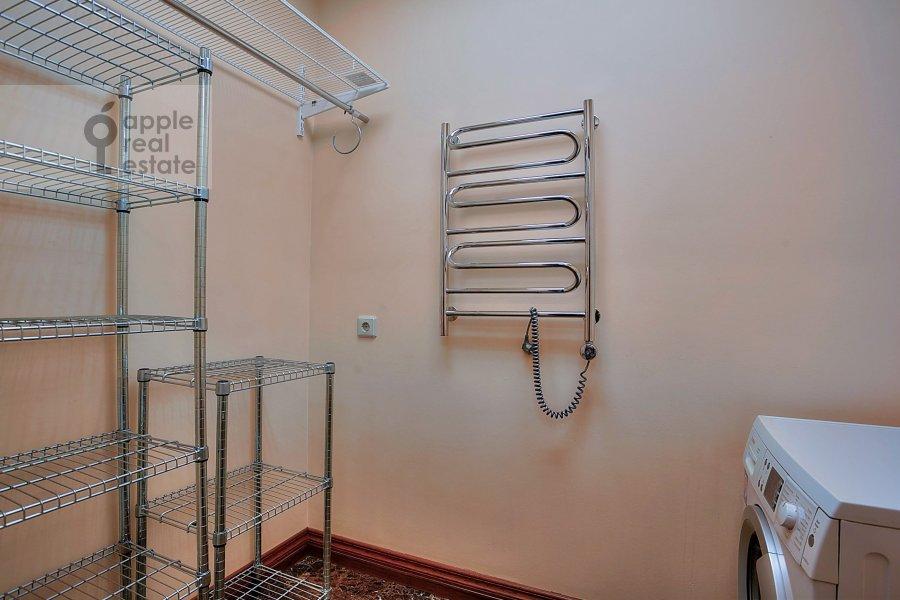 Walk-in closet / Laundry room / Storage room of the 4-room apartment at Komsomol'skiy prosp. 32