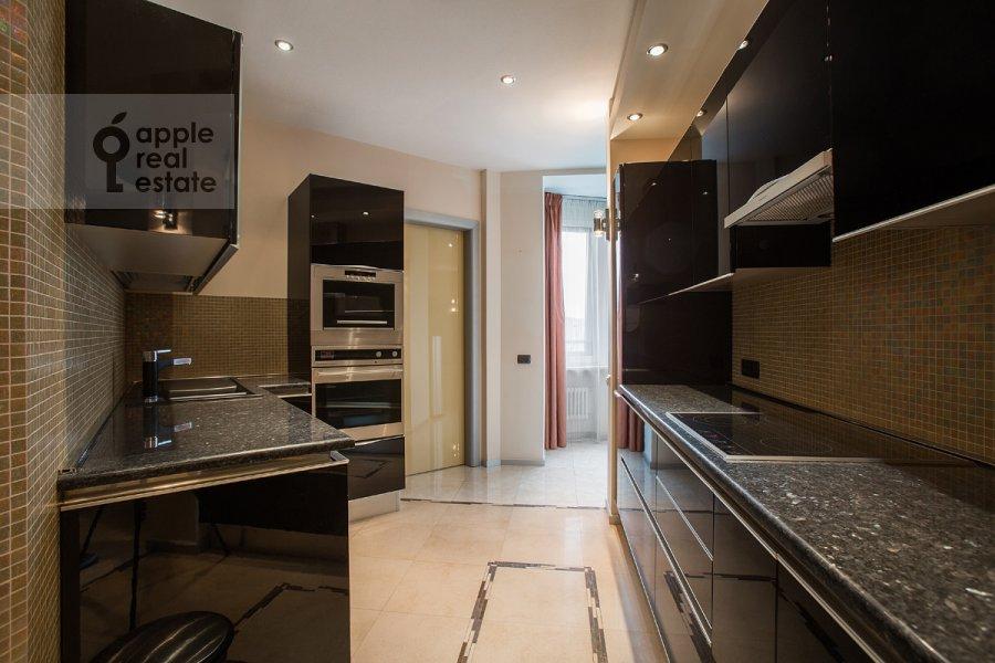 Kitchen of the 4-room apartment at Mozhayskoe shosse 2