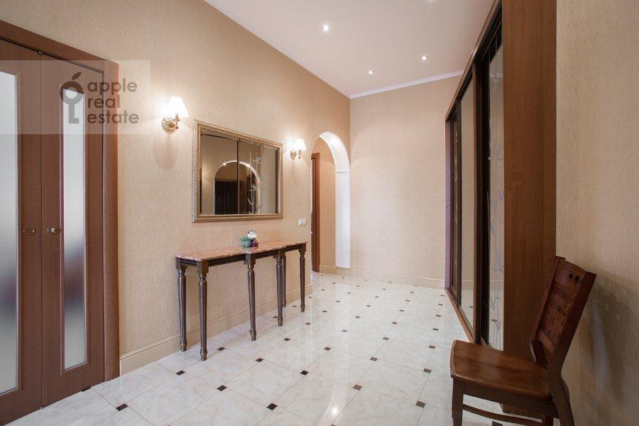 Corridor of the 2-room apartment at Udal'tsova ul. 23