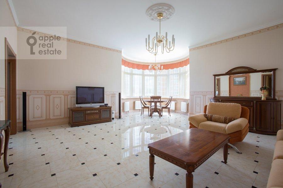 Living room of the 2-room apartment at Udal'tsova ul. 23