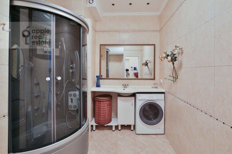 Санузел в 3-комнатной квартире по адресу Большая Серпуховская ул. 25с2