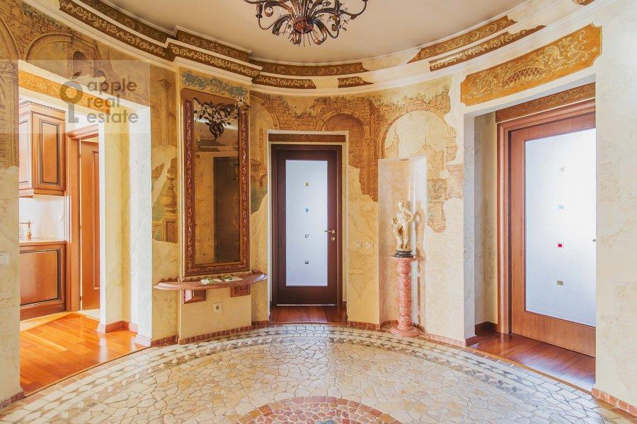 Corridor of the 2-room apartment at Tverskaya ul. 4k1