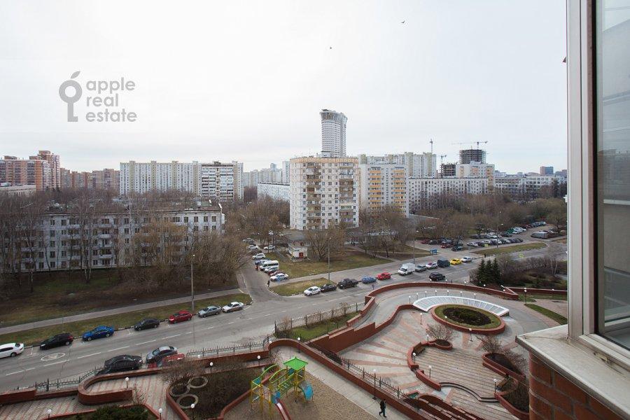 Вид из окна в 4-комнатной квартире по адресу Архитектора Власова ул. 22